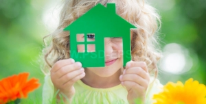 عکس تبلیغاتی کودک و خانه