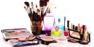 Beauty 1056 300x152 - عکس با کیفیت لوازم آرایشی نظیر برس ها ، رژ لب ها و کرم پودر ها و غیره