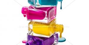 عکس با کیفیت لاک های زیبا با چهار رنگ مختلف ویژه استفاده در فروشگاه های لوازم آرایشی