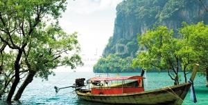 px8 300x152 - عکس و تصویر با کیفیت بالا و زیبای قایق چوبی در دریا