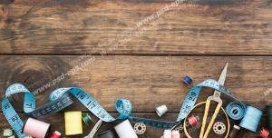 عکس با کیفیت ابزار مختلف خیاطی از جمله نخ های رنگارنگ ، قیجی ، متر ، ماسوره و سوزن