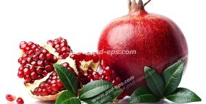 عکس با کیفیت انارهای سرخ و بزرگ و تکه شده و برگ های درخت انار