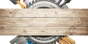 عکس با کیفیت ابزارآلات نجاری و کار با چوب از جمله سمباده ، اره ، چکش ، انبر ، قلم مو و آچار در پشت تکه چوب بصورت دایره ای