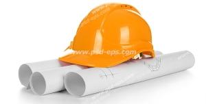 عکس با کیفیت نقشه های لوله شده معماری و طراحی ساختمان با کلاه ایمنی ساختمان سازی