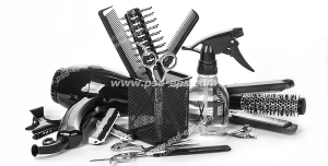 عکس با کیفیت لوازم اصلاح موی سر شامل انواع شانه و شانه پوش و برس ها ، قیچی ، آب پاش ، سشوار و اتوی مو با گیره سر