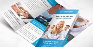 بروشور سه لت لایه باز تبلیغاتی مراکز درمانی و بیمارستانی یا درمانگاه و آزمایشگاه با تصویر پزشکان و دستگاه های پیشرفته آزمایش
