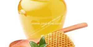 عکس با کیفیت یک شیشه عسل به همراه قاشق چوبی و یک تکه موم عسل و ریحان