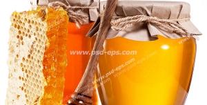 عکس با کیفیت دو شیشه عسل به همراه موم و قاشق چوبی