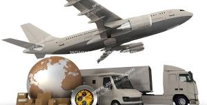 عکس با کیفیت ماکت هواپیما و ماشین های سنگین در کنار ماکت زمین و کارتون های کالا