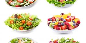 عکس با کیفیت میوه ها و سالادهای مختلف مناسب برای رژیم چاقی درون ظروف چینی