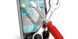 عکس با کیفیت گوشی تلفن همراه به همراه ابزارهای آچار فرانسه و پیچ گوشتی