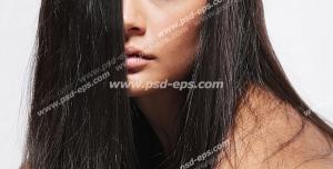 عکس با کیفیت بانویی با موهای کراتینه شده ، لخت و صاف مشکی رنگ
