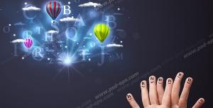 عکس با کیفیت آموزش زبان انگلیسی به کودکان با نقاشی استیکر روی انگشت دست و حروف انگلیسی در آسمان در کنار بالن
