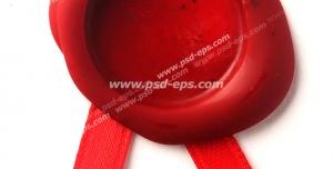 عکس با کیفیت مهر و موم قرمز رنگ با روبان برای نامه قدیمی بدون امضا یا طرح داخلی