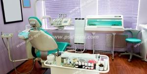 عکس با کیفیت تبلیغاتی اتاق دندان پزشکی با صندلی و تجهیزات