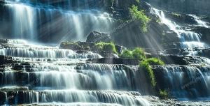 عکس با کیفیت تبلیغاتی آبشار پلکانی