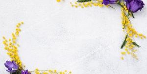 قاب و فریم عکس یا متن تشکیل شده با گل های رز بنفش و شکوفه های ریز زرد رنگ