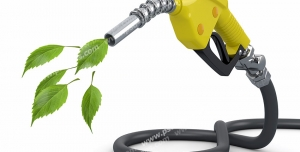 عکس با کیفیت تبلیغاتی نازل بنزین که از آن به جای بنزین پنج برگ بیرون آمده است