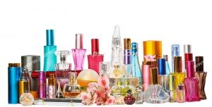 عکس با کیفیت تبلیغاتی انواع شیشه ها و ظروف رنگارنگ عطر و ادکلن