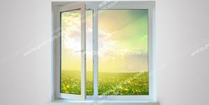 عکس با کیفیت پنجره دو جداره باز شده به سمت دشت سرسبز و نصب شده در خانه