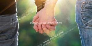 عکس با کیفیت تبلیغاتی زن و مرد دست در دست هم