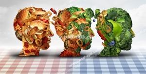 عکس با کیفیت تبلیغاتی سه سر انسان در حال تبدیل از فست فود به سبزیجات