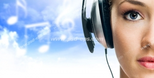 عکس با کیفیت تبلیغات گوش دادن موسیقی با هدفون