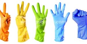عکس با کیفیت تبلیغاتی هفت دست با دستکش با رنگ های رنگین کمان و نشان دهنده اعداد یک تا پنج و مشت و علامت عالی