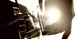 عکس با کیفیت تبلیغات نواختن گیتار کلاسیک
