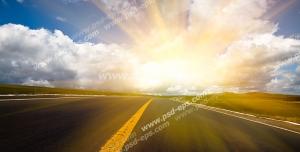 عکس با کیفیت تبلیغات جاده و طلوع آفتاب