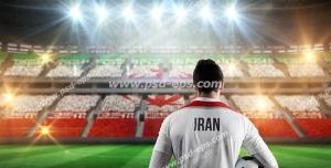 عکس با کیفیت تبلیغاتی فوتبالیست در ورزشگاه
