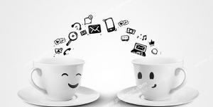 عکس با کیفیت تبلیغاتی دو فنجان در حال اشتراک گذاری داده ها