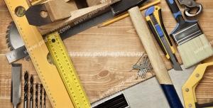 عکس با کیفیت تبلیغاتی ابزار آلات نجاری که تشکیک یک کادر مربعی کوچک در وسط تصویر داده اند