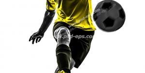 عکس با کیفیت تبلیغاتی بازیکن زرد پوش در حال پاس دادن توپ
