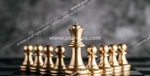 عکس با کیفیت تبلیغاتی مهره های شطرنج به رنگ طلایی و ایستاده در کنار یکدیگر
