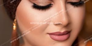 عکس با کیفیت تبلیغاتی زن با چشم های بسته و آرایش زیبا و ملیح عروس