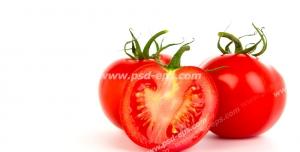 عکس با کیفیت تبلیغاتی دو گوجه در کنار گوجه نصف شده در بک گراند سفید