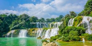 عکس با کیفیت تبلیغاتی آبشار بسیار زیبا و طبیعت سر سبز